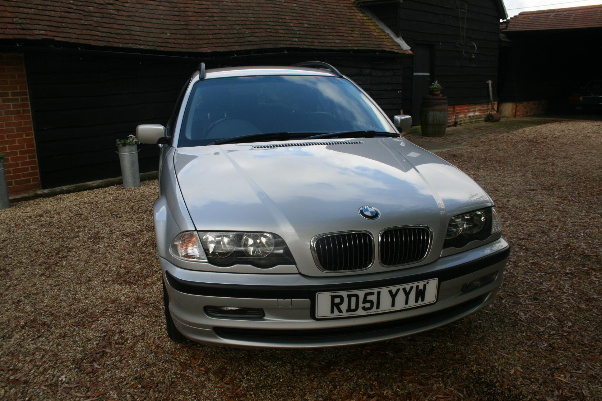 BMW 325i SE 5 Door Estate £2999