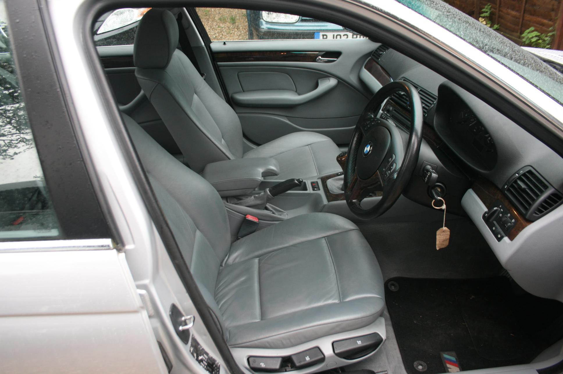 BMW 325i SE 4 Door Saloon £1999