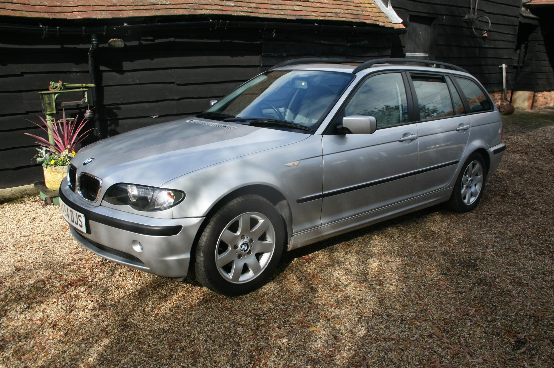 BMW 318i SE 5 Door Estate £2991