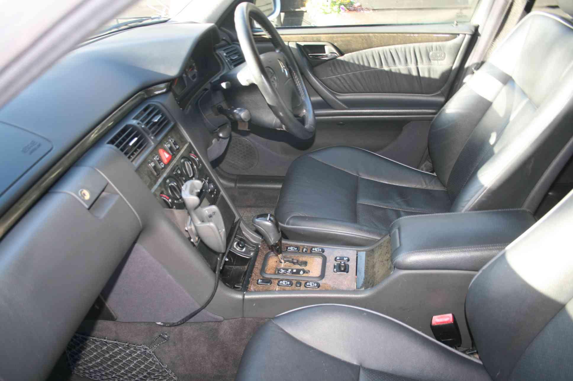MERCEDES E240 V6 Elegance 5 Door Estate £3499
