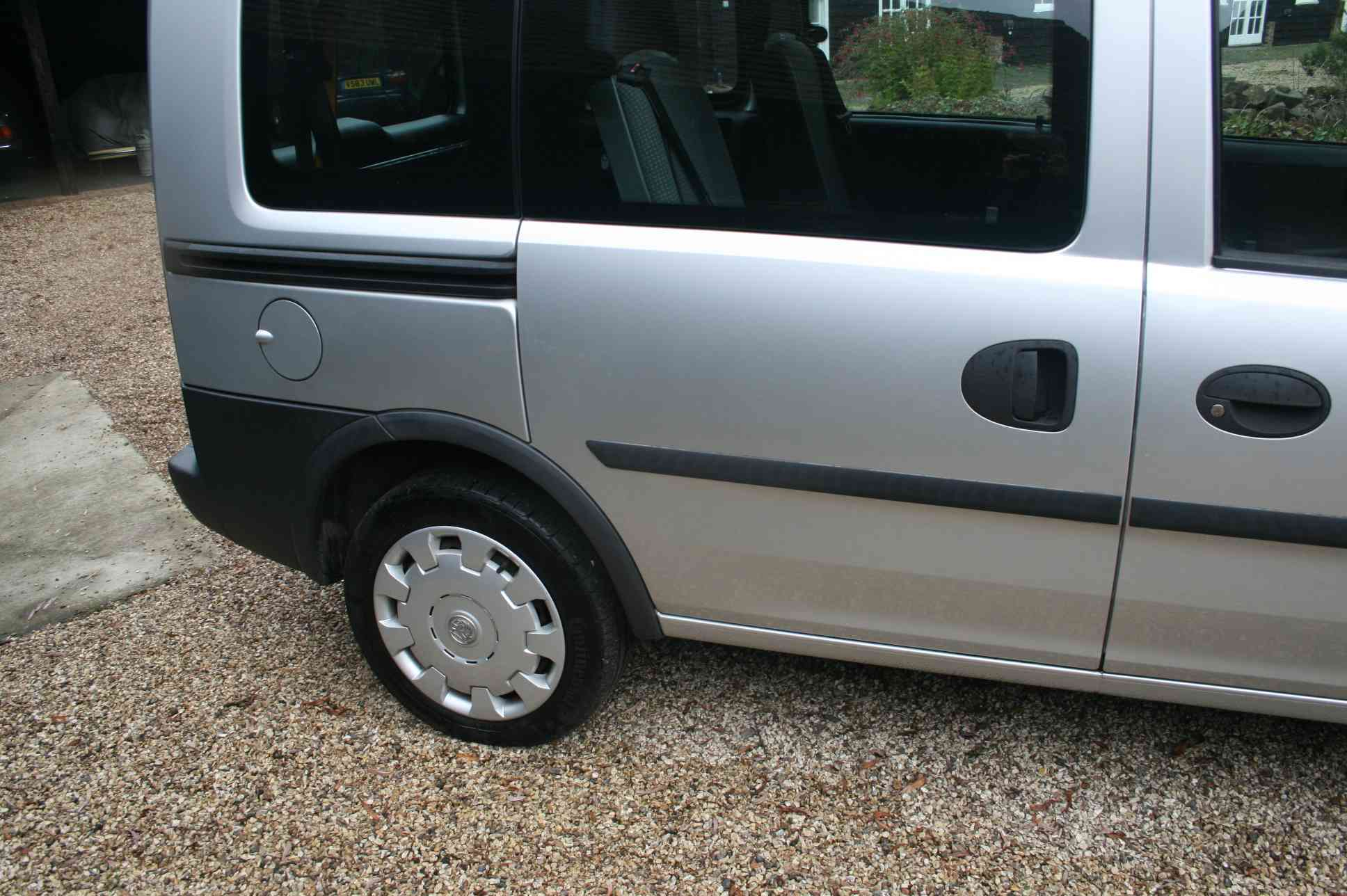 VAUXHALL combo tour 5 Door Estate £3999
