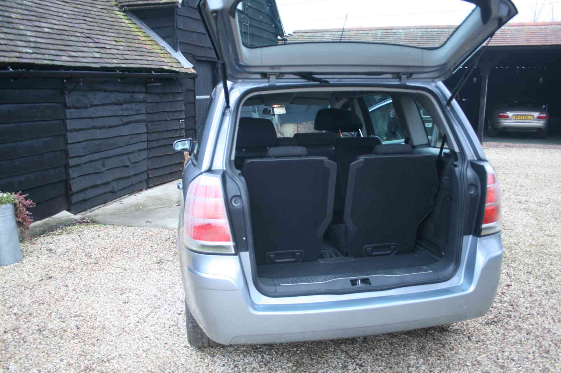 VAUXHALL Zafira Active  5 Door Hatchback £1691