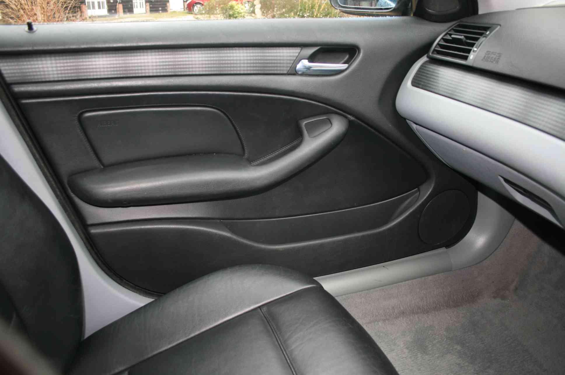 BMW 325i SE<br />5 Door Estate