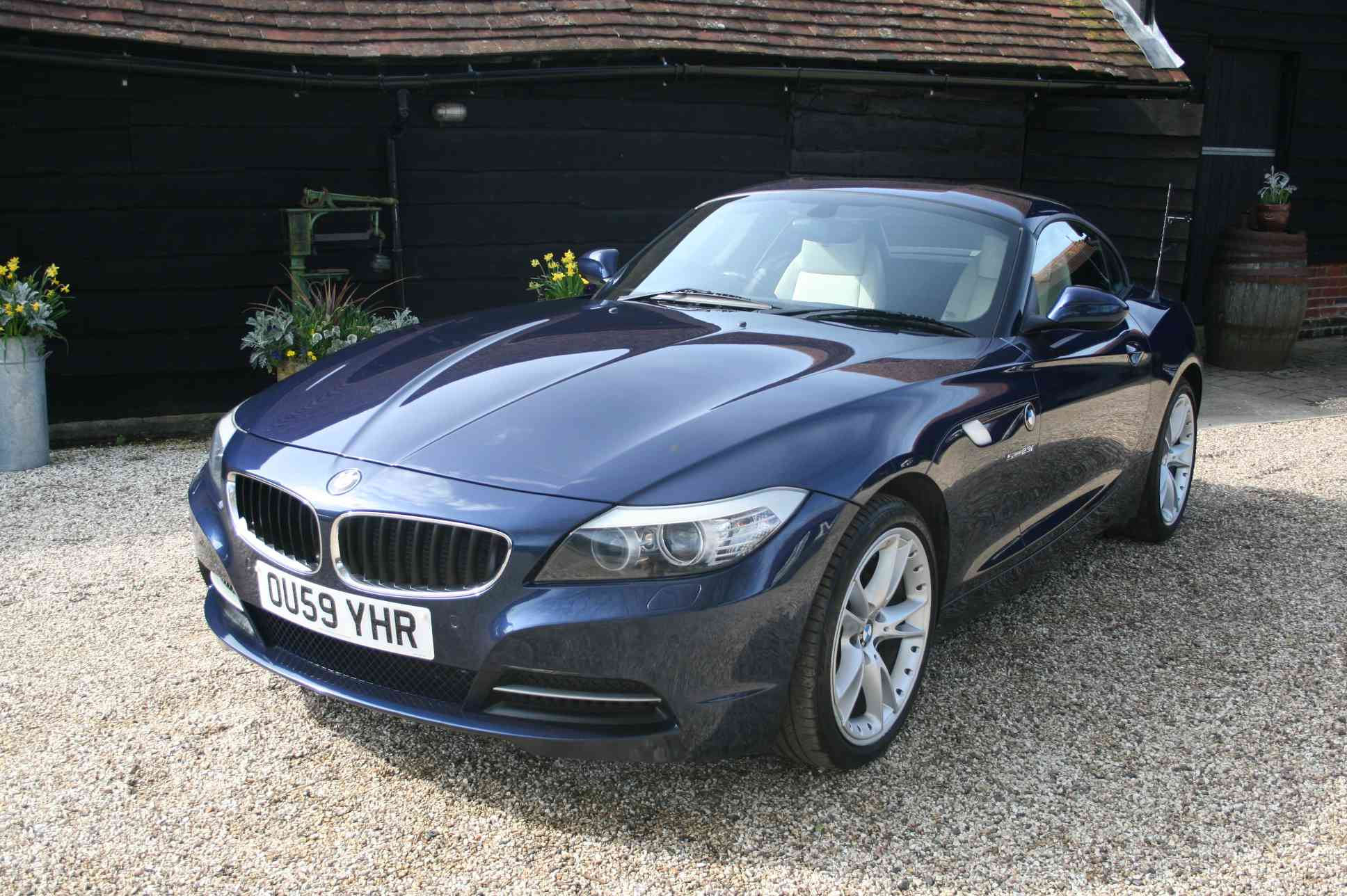BMW Z4 AUTOMATIC<br />2 Door Convertible
