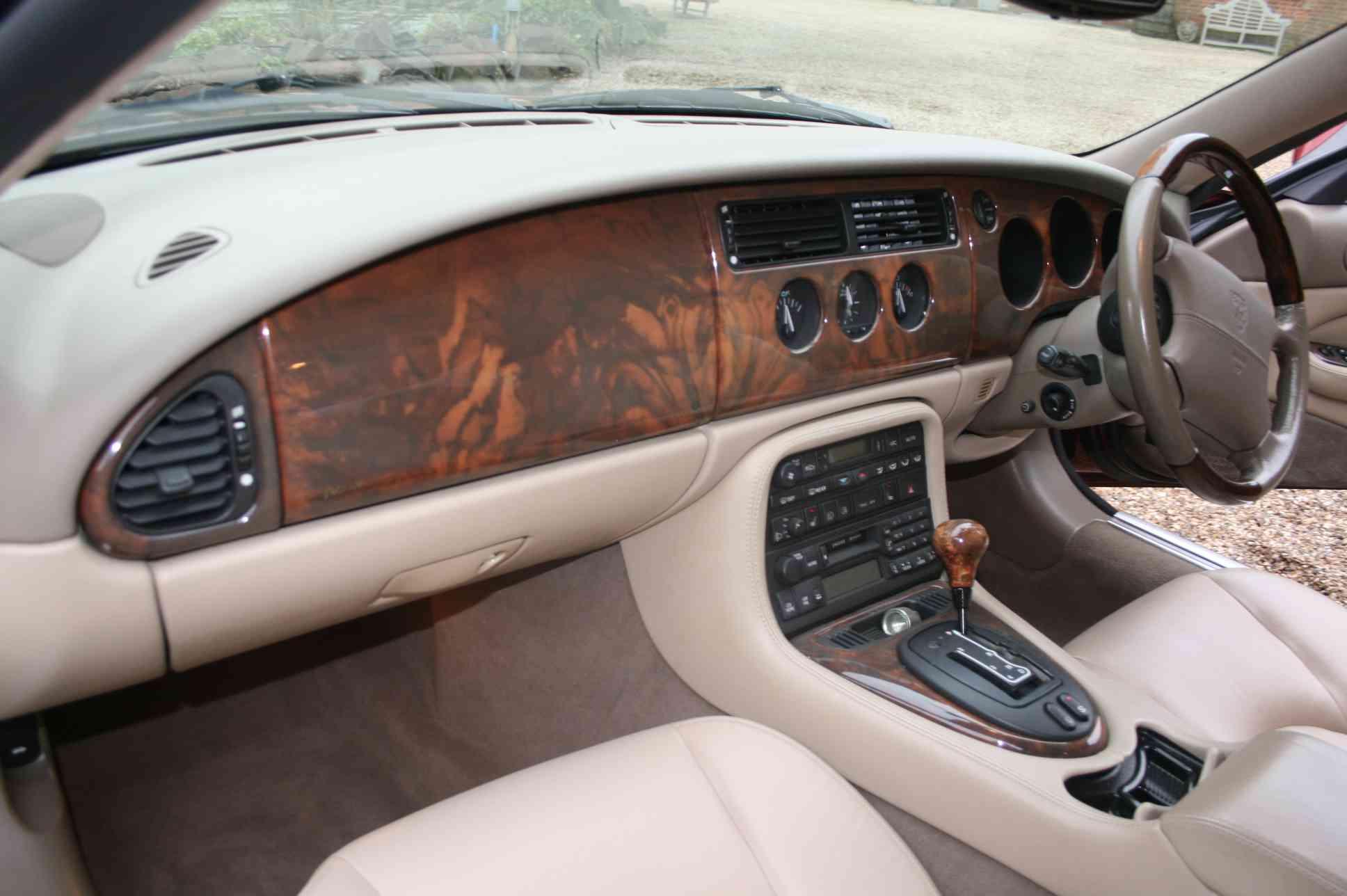 JAGUAR XK8<br />2 Door Coupe