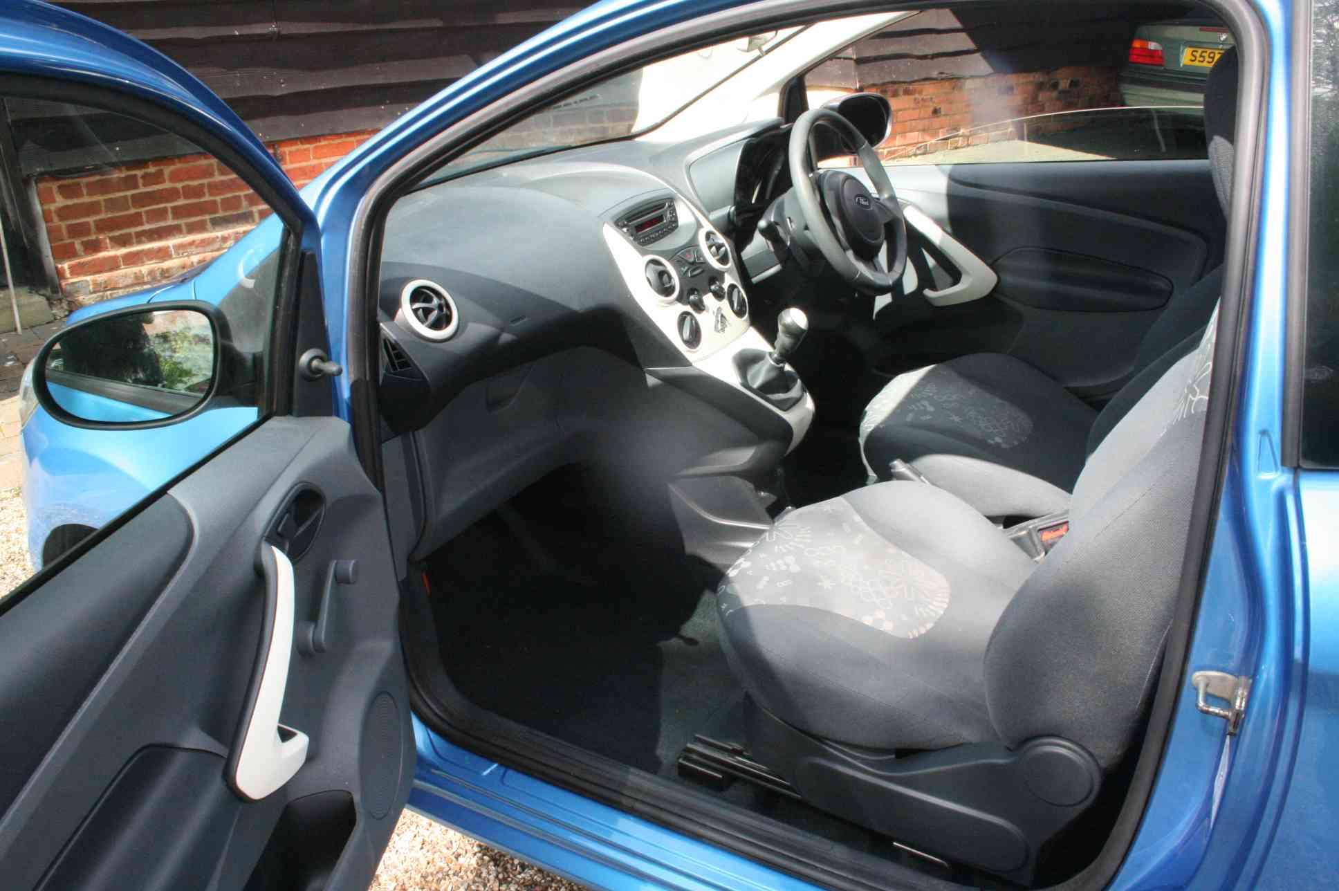 FORD KA Studio 3 Door Hatchback £2999