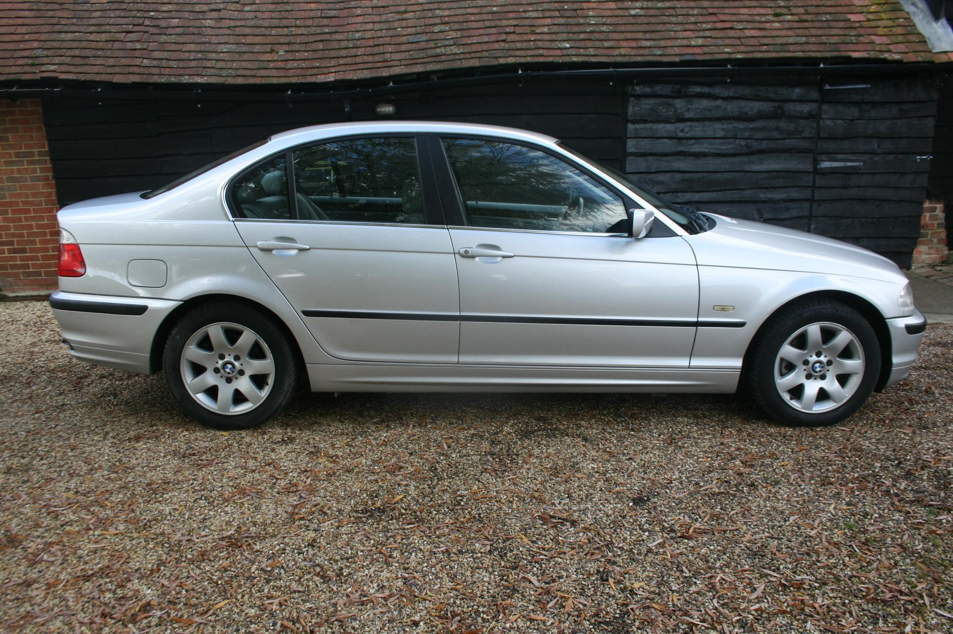 Stable Classics Used Bmw 325i Se 4 Door Saloon 163 1999 Hampshire